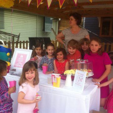 Polly's Lemonade Stand