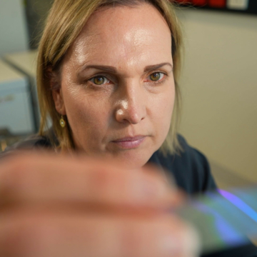 New slide technology lights up early-stage breast cancer